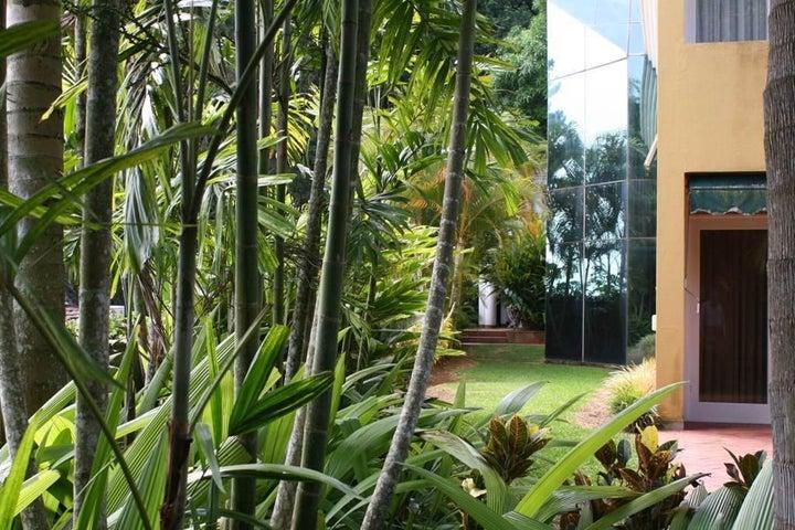Casa Distrito Metropolitano>Caracas>El Hatillo - Venta:347.001.000.000 Bolivares - codigo: 15-10046