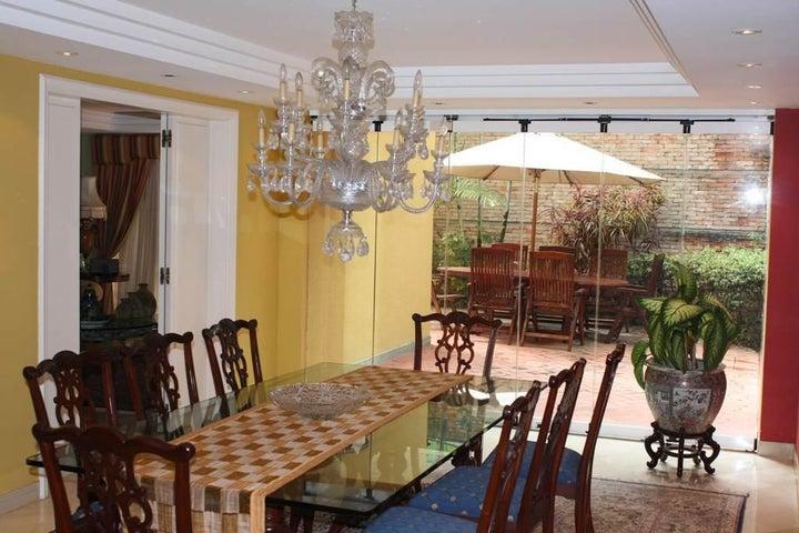 Casa Distrito Metropolitano>Caracas>El Hatillo - Venta:1.397.732.000.000 Precio Referencial - codigo: 15-10046