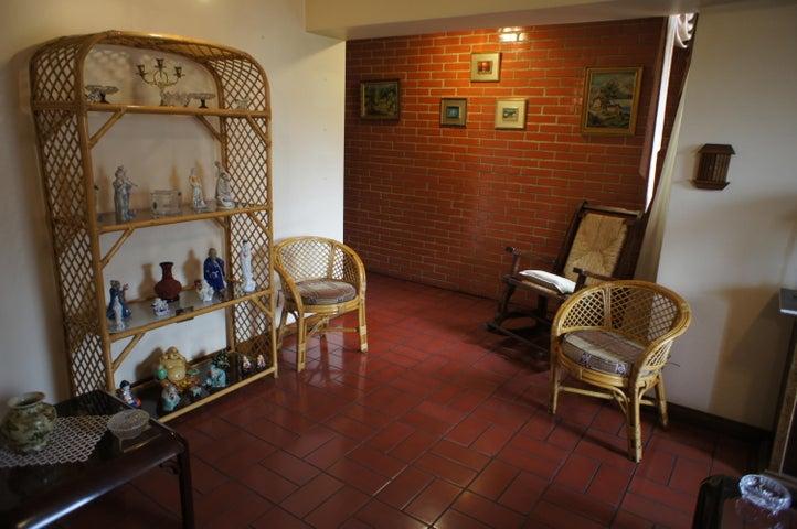 Apartamento Distrito Metropolitano>Caracas>Mariperez - Venta:17.304.000.000 Bolivares Fuertes - codigo: 15-10069