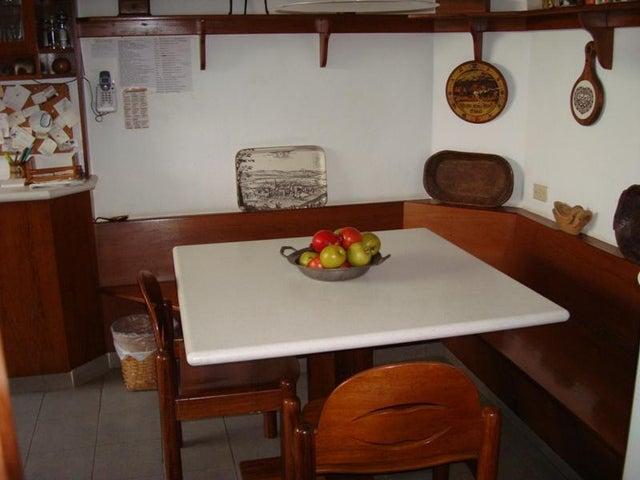 Casa Distrito Metropolitano>Caracas>El Cafetal - Venta:52.953.000.000 Bolivares - codigo: 15-10113