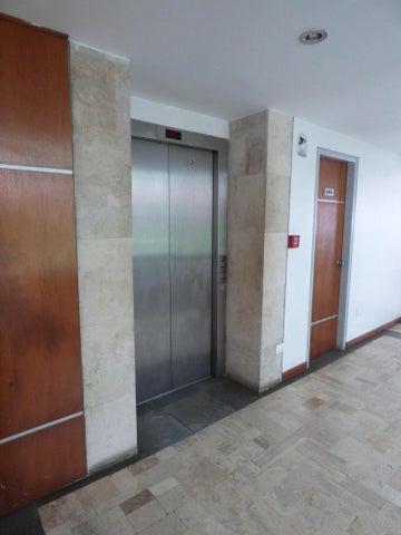 Apartamento Distrito Metropolitano>Caracas>Los Naranjos de Las Mercedes - Venta:167.728.000.000 Precio Referencial - codigo: 15-10180