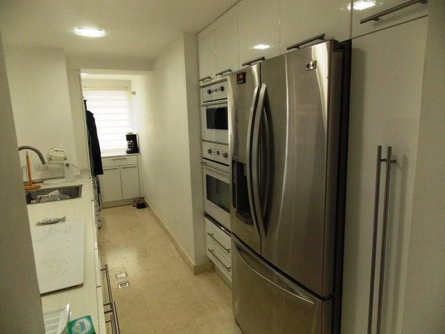 Apartamento Distrito Metropolitano>Caracas>La Union - Venta:27.070.000.000 Bolivares Fuertes - codigo: 15-10200
