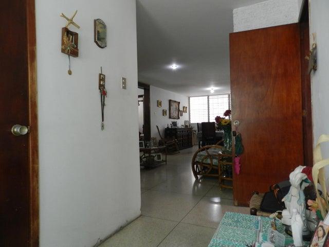 Casa Distrito Metropolitano>Caracas>Colinas de Bello Monte - Venta:145.000 Precio Referencial - codigo: 15-10279