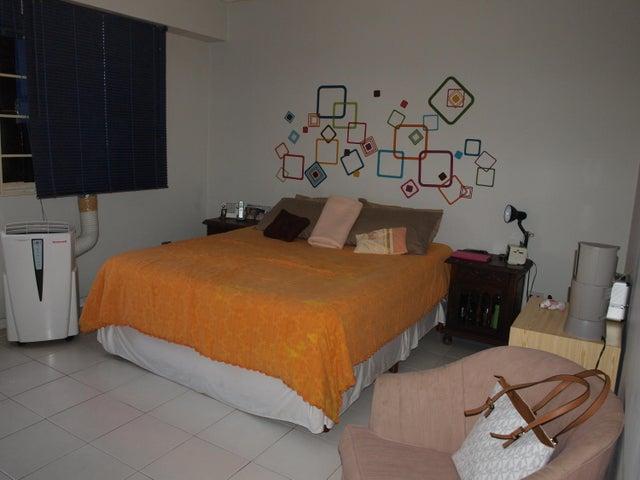 Apartamento Distrito Metropolitano>Caracas>Santa Paula - Venta:115.000 Precio Referencial - codigo: 15-10575