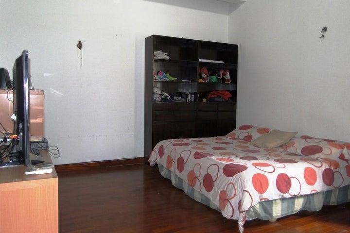 Casa Distrito Metropolitano>Caracas>Caurimare - Venta:312.227.000.000 Precio Referencial - codigo: 15-10335