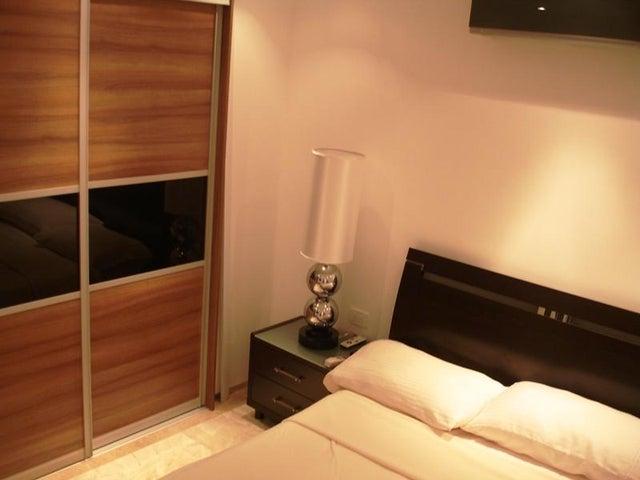 Apartamento Distrito Metropolitano>Caracas>Lomas del Sol - Venta:79.394.000.000 Precio Referencial - codigo: 15-10341
