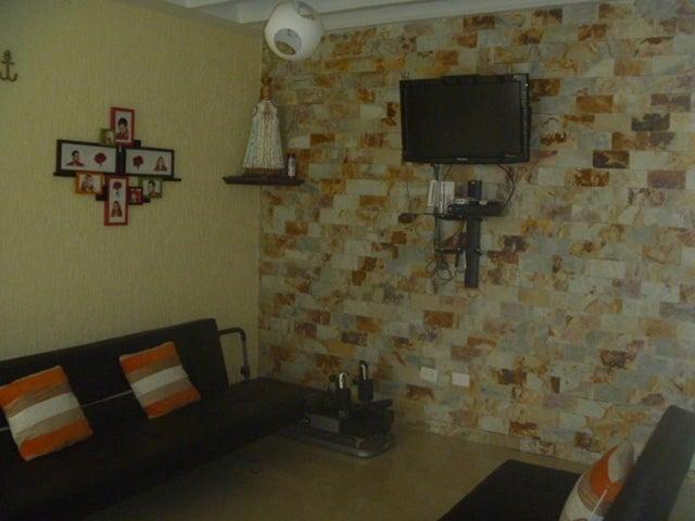 Casa Nueva Esparta>Margarita>Los Robles - Venta:66.944.000 Precio Referencial - codigo: 15-10396