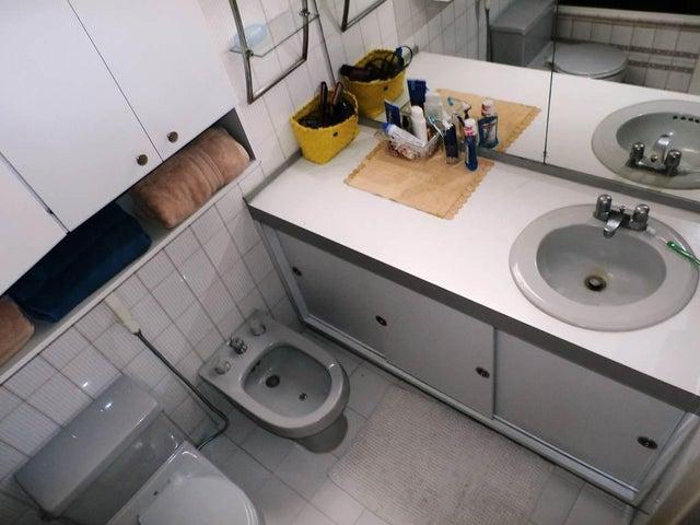 Apartamento Distrito Metropolitano>Caracas>Prados del Este - Venta:125.000 Precio Referencial - codigo: 15-10413