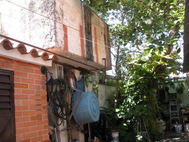 Casa Carabobo>Valencia>Valles de Camoruco - Venta:160.000.000 Bolivares - codigo: 15-10404