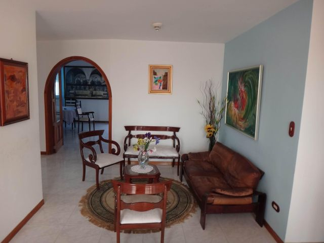 Casa Distrito Metropolitano>Caracas>La Tahona - Venta:111.696.000 Precio Referencial - codigo: 15-10433