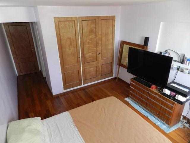 Apartamento Distrito Metropolitano>Caracas>Colinas de La Tahona - Venta:139.773.000.000 Precio Referencial - codigo: 15-10453
