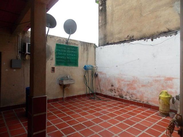 Local Comercial Carabobo>Municipio Naguanagua>Casco Central - Venta:400.000.000 Bolivares - codigo: 15-10558
