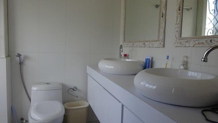 Apartamento Distrito Metropolitano>Caracas>Chuao - Venta:257.500 US Dollar - codigo: 15-10589