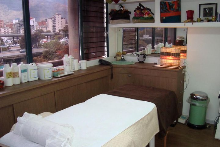Local Comercial Distrito Metropolitano>Caracas>Bello Monte - Venta:22.632.000.000 Bolivares - codigo: 15-10777