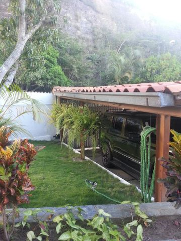 Casa Distrito Metropolitano>Caracas>Cumbres de Curumo - Venta:610.726.000.000 Precio Referencial - codigo: 15-10784
