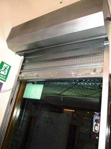 Local Comercial Distrito Metropolitano>Caracas>El Cafetal - Venta:70.548.000.000 Precio Referencial - codigo: 15-10859