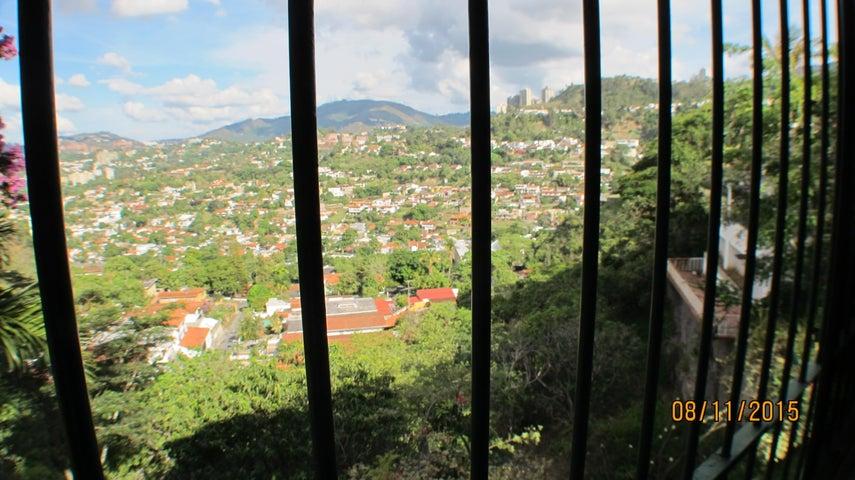 Casa Distrito Metropolitano>Caracas>Prados del Este - Venta:305.033.000.000 Precio Referencial - codigo: 15-10889