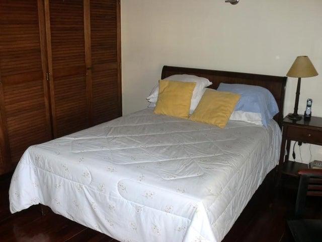 Casa Distrito Metropolitano>Caracas>Alto Hatillo - Venta:56.000.000.000 Bolivares - codigo: 15-10976