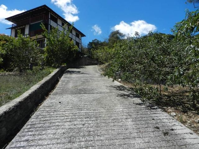 Terreno Aragua>La Colonia Tovar>La Colonia Tovar - Venta:31.513.000.000 Precio Referencial - codigo: 15-10966