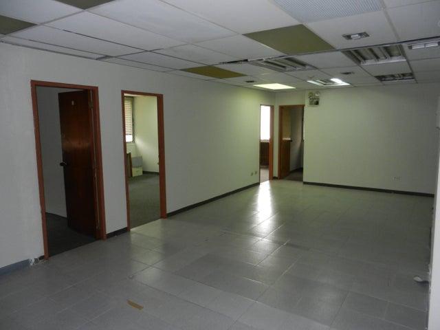 Oficina Distrito Metropolitano>Caracas>El Rosal - Venta:1.142.318.000.000 Precio Referencial - codigo: 15-10969