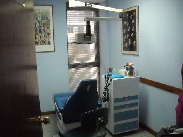 Oficina Distrito Metropolitano>Caracas>Los Palos Grandes - Venta:122.145.000.000 Precio Referencial - codigo: 15-11003