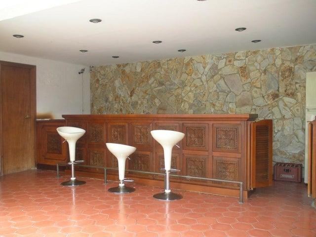 Casa Distrito Metropolitano>Caracas>Cumbres de Curumo - Venta:130.840.000.000 Bolivares - codigo: 15-11059
