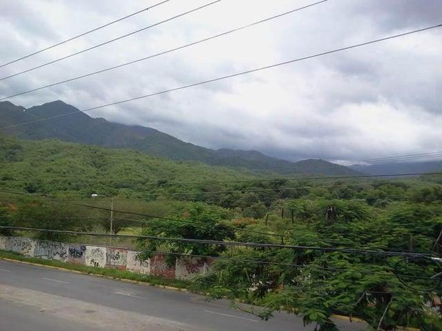 Townhouse Miranda>Guatire>El Ingenio - Venta:79.800.000 Bolivares - codigo: 15-11062