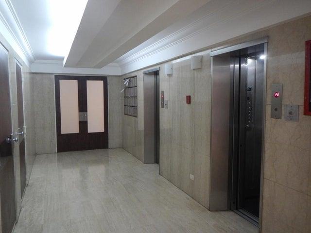 Apartamento Distrito Metropolitano>Caracas>Los Naranjos del Cafetal - Venta:171.136.000.000 Precio Referencial - codigo: 15-11119