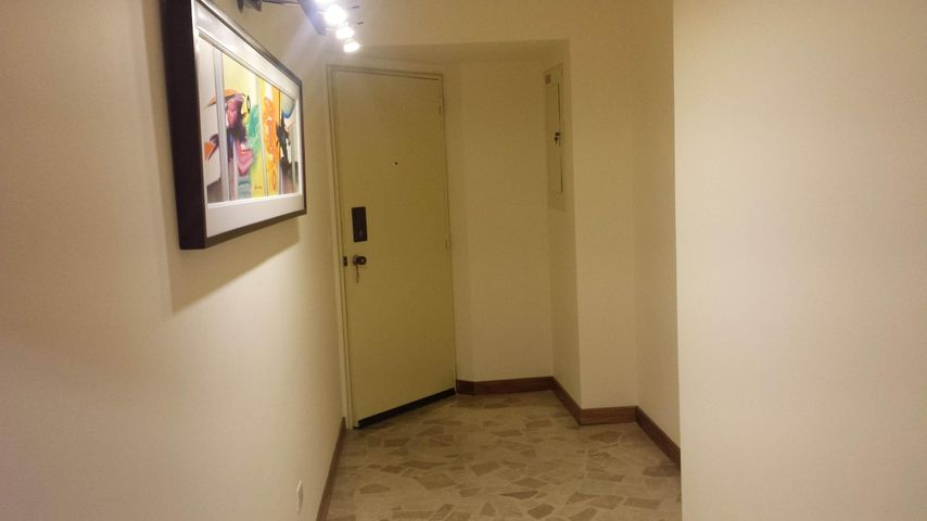 Apartamento Distrito Metropolitano>Caracas>Las Mercedes - Venta:601.884.000.000 Precio Referencial - codigo: 15-11477