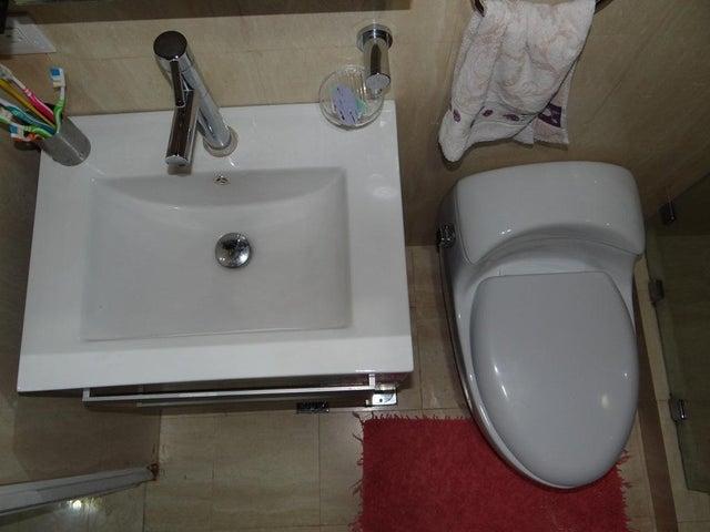 Apartamento Distrito Metropolitano>Caracas>Santa Ines - Venta:97.716.000.000 Precio Referencial - codigo: 15-11596