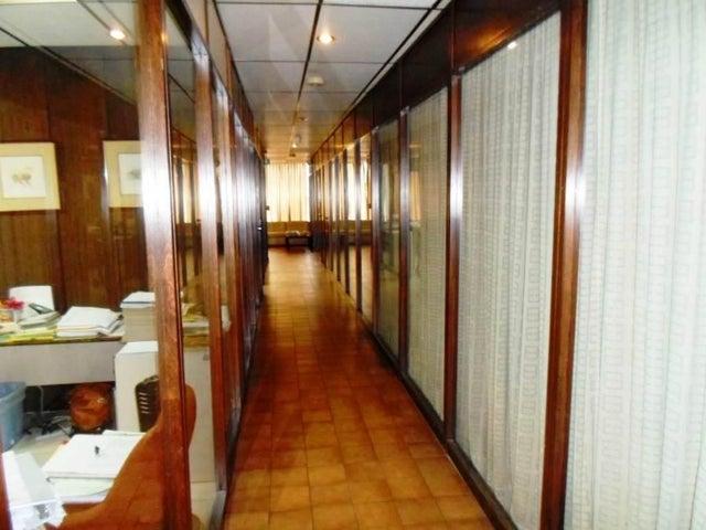 Oficina Distrito Metropolitano>Caracas>La California Norte - Venta:873.241.000.000 Precio Referencial - codigo: 15-11294