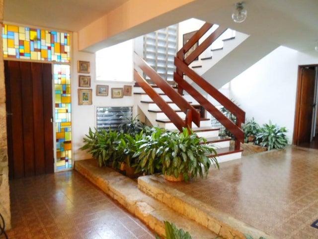 Casa Distrito Metropolitano>Caracas>Santa Paula - Venta:113.159.000.000 Bolivares - codigo: 15-11910