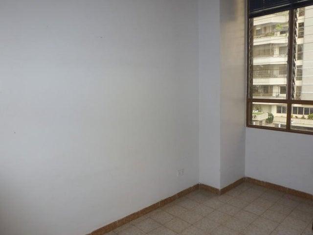 Apartamento Distrito Metropolitano>Caracas>Terrazas del Avila - Venta:27.025.000.000 Bolivares Fuertes - codigo: 15-11622
