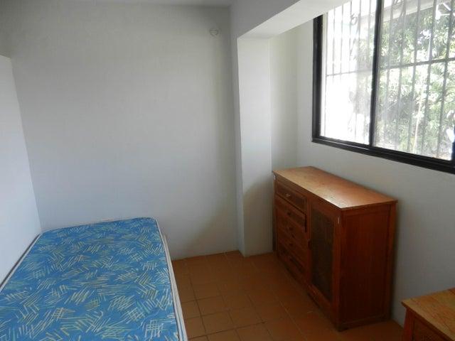 Casa Distrito Metropolitano>Caracas>La California Norte - Venta:351.739.000.000 Precio Referencial - codigo: 15-12191