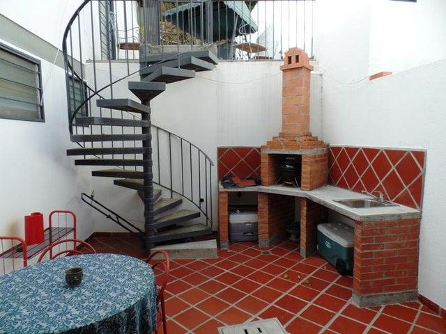 Casa Distrito Metropolitano>Caracas>Santa Sofia - Venta:266.541.000.000 Precio Referencial - codigo: 15-13188
