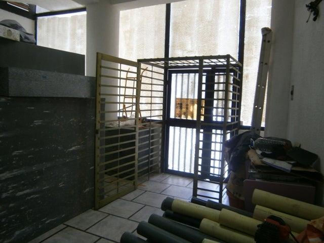 Local Comercial Falcon>Chichiriviche>Flamingo - Venta:93.892.000.000 Precio Referencial - codigo: 15-11733