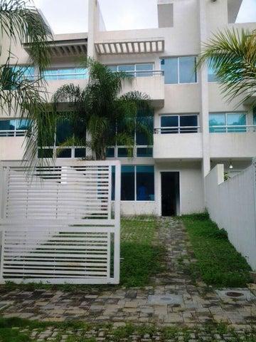 Townhouse Miranda>Charallave>Paso Real - Venta:11.279.000.000 Bolivares - codigo: 15-11768