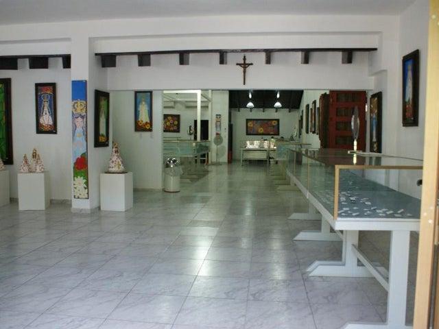 Local Comercial Nueva Esparta>Margarita>El Valle - Venta:483.641.000.000 Precio Referencial - codigo: 15-11790