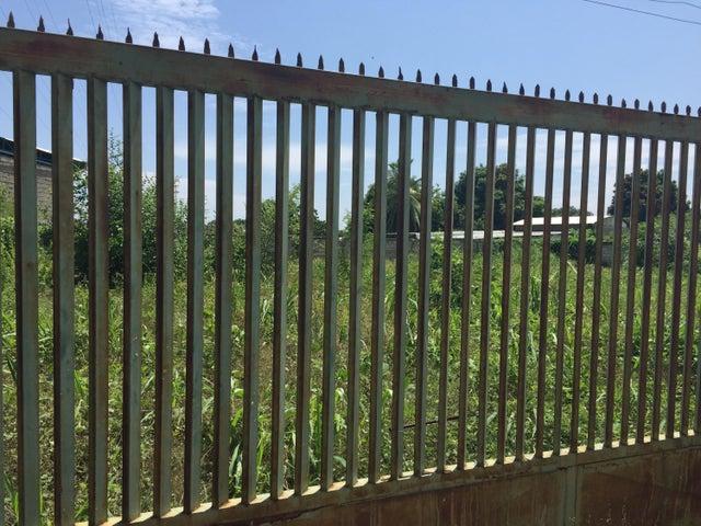 Terreno Zulia>Ciudad Ojeda>Cristobal Colon - Venta:25.000 US Dollar - codigo: 15-14367
