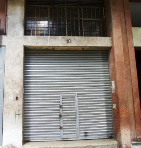 Local Comercial Distrito Metropolitano>Caracas>Las Acacias - Venta:9.023.000.000 Bolivares - codigo: 15-11823