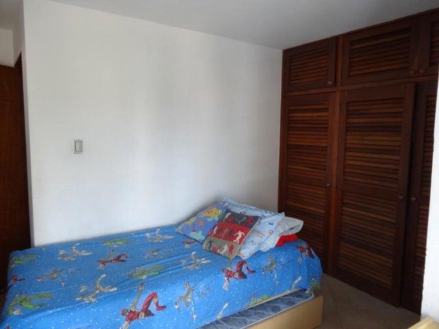 Apartamento Carabobo>Valencia>El Bosque - Venta:98.000.000 Precio Referencial - codigo: 15-16506