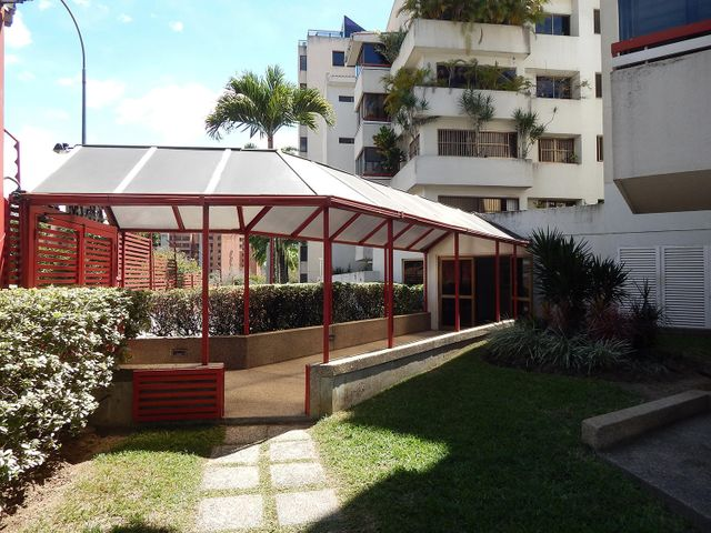 Apartamento Distrito Metropolitano>Caracas>Los Samanes - Venta:30.553.000.000 Bolivares Fuertes - codigo: 15-12106