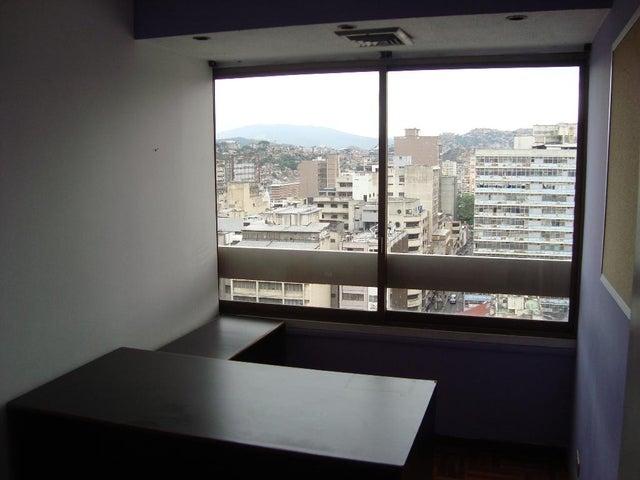 Oficina Distrito Metropolitano>Caracas>Parroquia La Candelaria - Venta:19.175.000.000 Bolivares - codigo: 15-12118