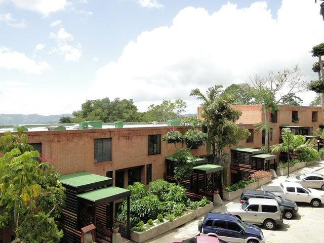 Townhouse Distrito Metropolitano>Caracas>La Union - Venta:21.150.000.000 Bolivares - codigo: 15-12146