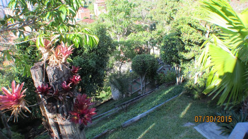 Casa Distrito Metropolitano>Caracas>La Boyera - Venta:283.614.000.000 Precio Referencial - codigo: 15-12281