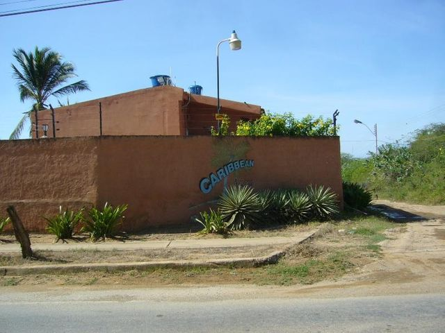 Townhouse Nueva Esparta>Margarita>Guacuco - Venta:23.000 Precio Referencial - codigo: 15-12357