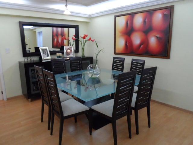 Apartamento Distrito Metropolitano>Caracas>El Cigarral - Venta:41.569.000.000 Bolivares Fuertes - codigo: 15-12381