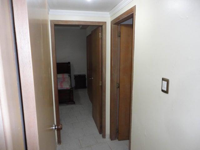 Apartamento Zulia>Maracaibo>El Milagro - Venta:13.814.000.000 Bolivares Fuertes - codigo: 15-12374