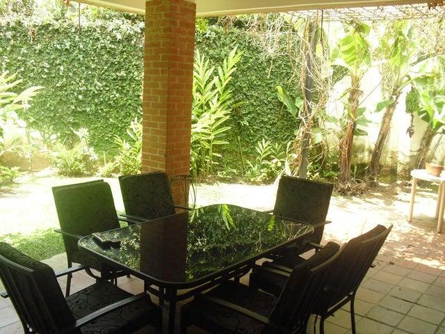 Casa Distrito Metropolitano>Caracas>Los Chorros - Venta:117.305.000.000 Bolivares - codigo: 15-12406