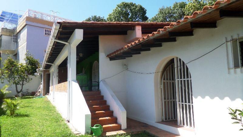 Casa Distrito Metropolitano>Caracas>Santa Fe Norte - Venta:300.000 Precio Referencial - codigo: 15-12365